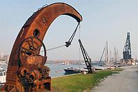 - Venice, the Arsenal, ancient naval crane....- Venezia, l'Arsenale, antica gru navale