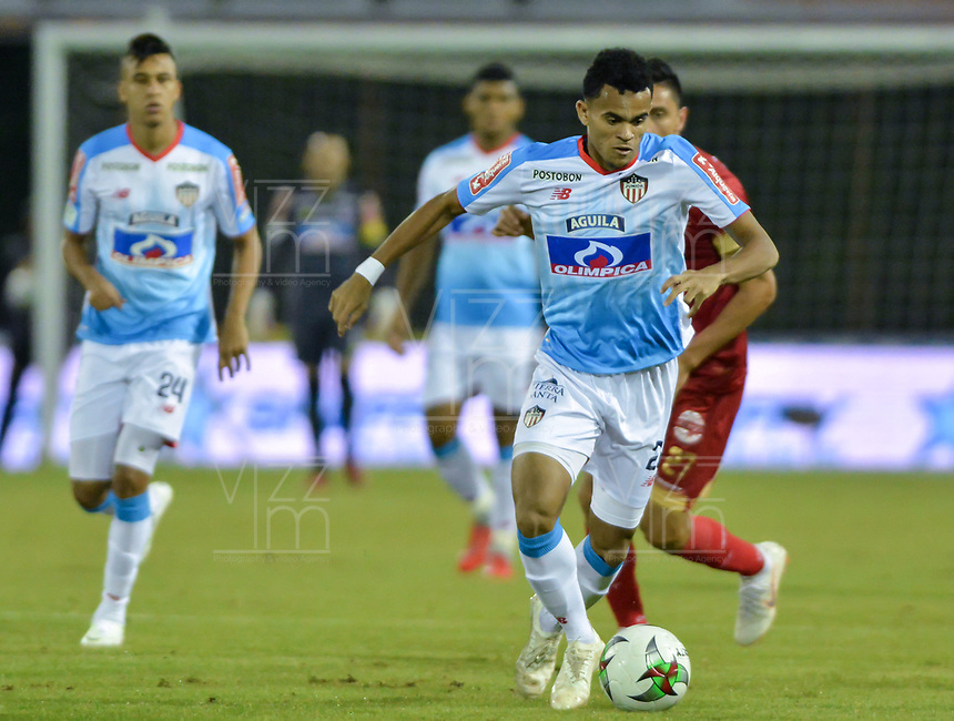 RIONEGRO - COLOMBIA, 22-11-2018: Luis Diaz del Junior en acción durante el encuentro entre Rionegro Águilas y Atlético Junior por la semifinal, ida, de la Liga Águila II 2018 jugado en el estadio Alberto Grisales de la ciudad de Rionegro. / Luis Diaz of Junior in action during a Semifinal first leg match between Rionegro Aguilas and Atletico Junior as a part of Aguila League II 2018 played at the Alberto Grisales Stadium in Rionegro city. Photo: VizzorImage / Leon Monsalve / Cont