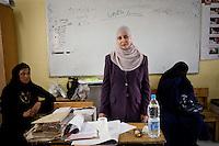 ©VIRGINIE NGUYEN HOANG/.Egypt,Cairo.23/05/2012..Presidential elections in Cairo. A judge of a polling station...Elections presidentielles au Caire, une juge d'un endroit de vote.