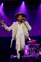 Adam Lambert Independance, MO 93.3 Jingle Jam