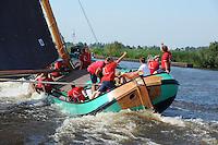 ZEILEN: EARNEWALD, 22-07-2014, SKS skûtsjesilen, Lemster skûtsje wordt derde, ©foto Martin de Jong