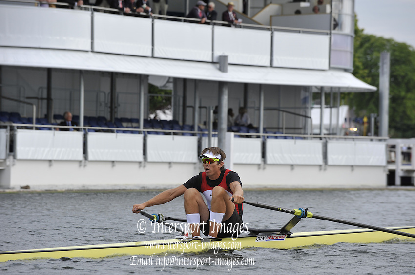 Henley, GREAT BRITAIN. Diamond Challenge Scull, Malcolm HOWARD . 18:27:54, Thursday  01/07/2010 [Mandatory Credit: Peter Spurrier / Intersport-images] Rowing Courses, Henley Reach, Henley, ENGLAND . HRR.
