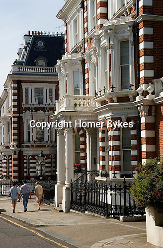 Horton street, The Royal Borough of Kensington and Chelsea London W8. England. 2006.