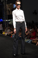 S&Atilde;O PAULO-SP-03.03.2015 - INVERNO 2015/MEGA FASHION WEEK -Grife Samavi jeans/<br /> O Shopping Mega Polo Moda inicia a 18&deg; edi&ccedil;&atilde;o do Mega Fashion Week, (02,03 e 04 de Mar&ccedil;o) com as principais tend&ecirc;ncias do outono/inverno 2015.Com 1400 looks das 300 marcas presentes no shopping de atacado.Br&aacute;z-Regi&atilde;o central da cidade de S&atilde;o Paulo na manh&atilde; dessa segunda-feira,02.(Foto:Kevin David/Brazil Photo Press)