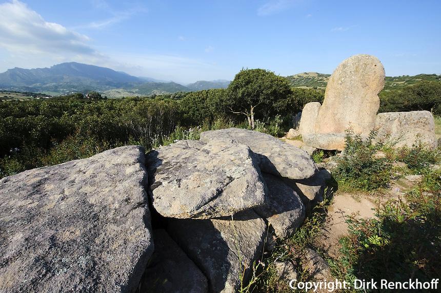 Gigantengrab Tomba dei Giganti S' Ena e Tomes, Provinz Nuoro, Ost - Sardinien, Italien, Nuraghenkutur 2. Jt. v.Chr.