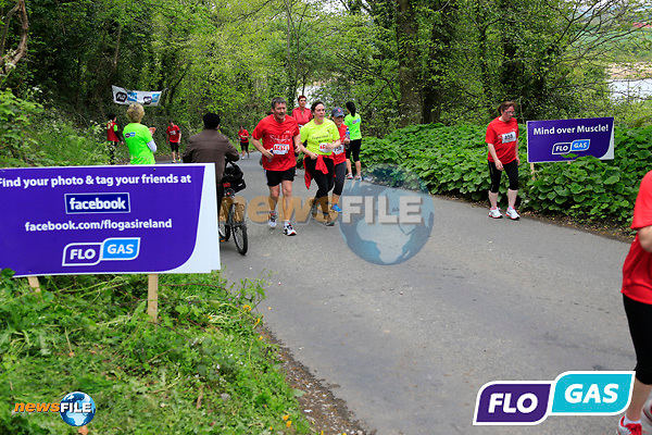 Participants on the FLO GAS hill during The Boyne 10K run in Drogheda. 4/5/14<br /> Picture: www.newsfile.ie