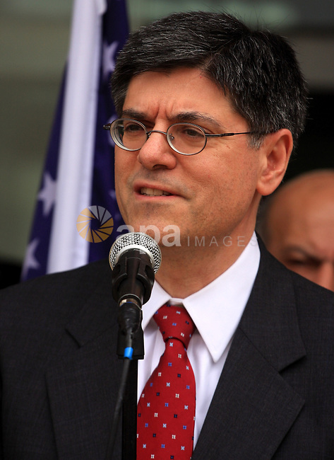 The deputy of the American foreign minister,Jacob lew delivers speech after his visit to the Palestine medical hospital with Palestinian health minister Fathi Abu Moughli in the West Bank city of Ramallah on Feb 21,2010.. Photo by Issam Rimawi