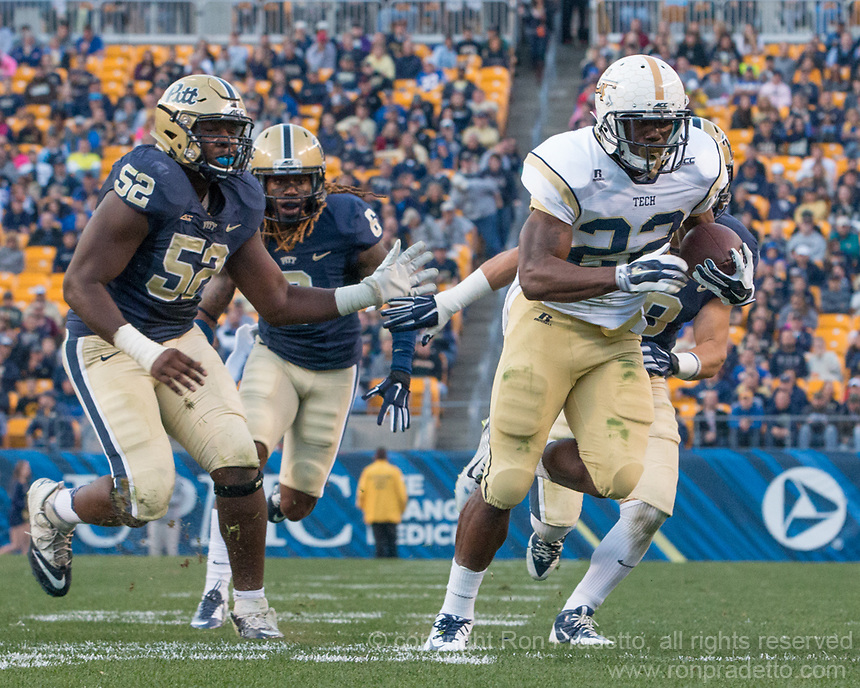 Broderick Snoddy scores on a 28-yard touchdown run. The Georgia Tech Yellow Jackets defeated the Pitt Panthers 56-28 at Heinz Field, Pittsburgh Pennsylvania on October 25, 2014.