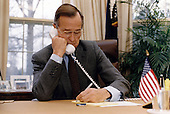 United States President George H.W. Bush speaks on the telephone with Russian President Boris Yeltsin from the Oval Office of the White House in Washington, DC on December 13, 1991.<br /> Mandatory Credit: Susan Biddle / White House via CNP