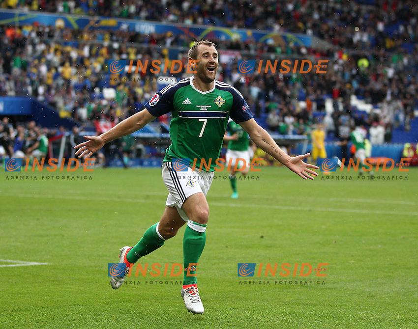 Niall McGinn of Northern Ireland celebrates scoring his sides second goal <br /> Lyon 16-06-2016 Stade de Lyon Euro2016 Ukraine - Northern Ireland / Ucraina - Irlanda del Nord Group Stage Group C. Foto BPI / Imago / Insidefoto