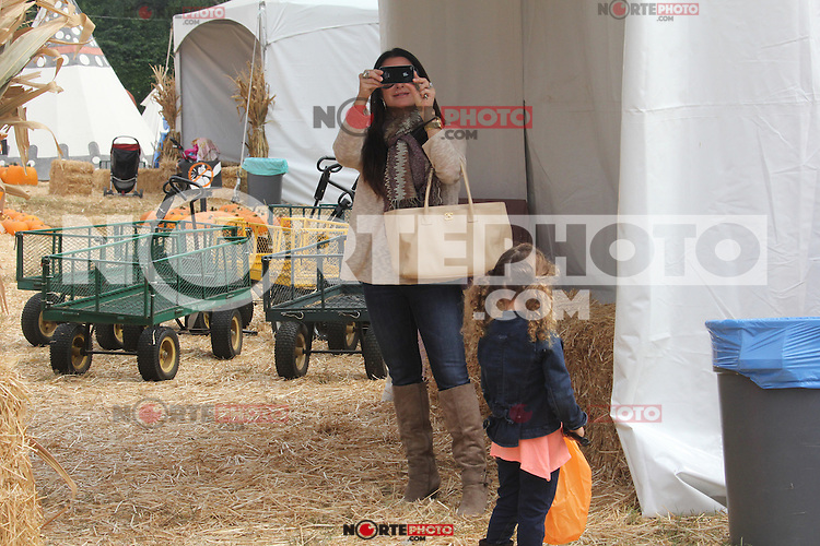 October 05 2012: . kyle richards in the punkin putch in beverly hills.Non Exclusive.Mandatory Credit: KDNPIX.COM..Ref: kdn_dnl /NortePhoto
