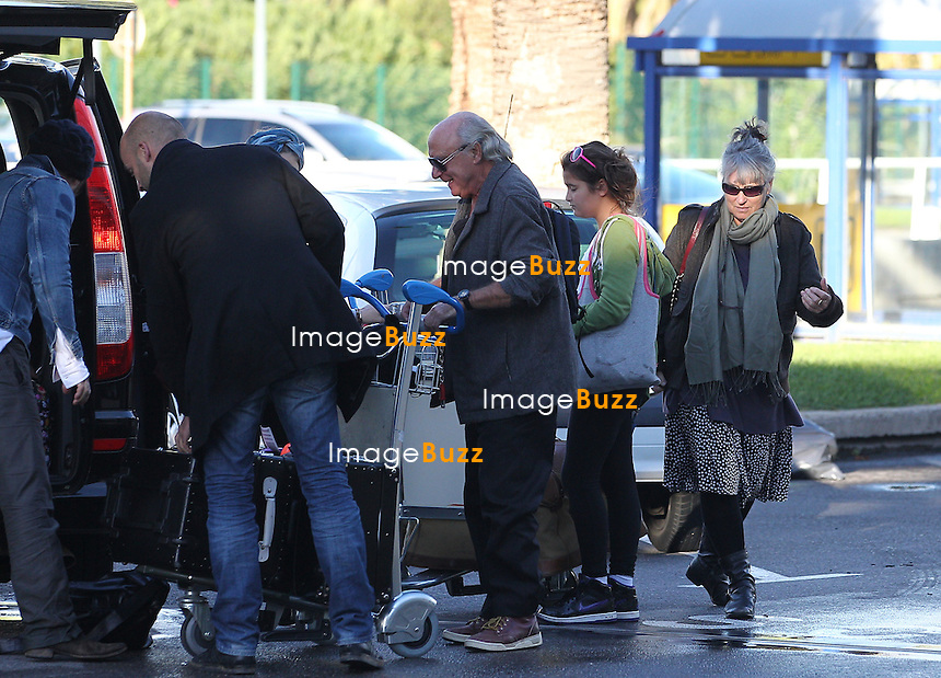 Jude Law with his daughter Iris and friend and his parents, departing from Nice airport in France..France - Nice, October 24, 2012.