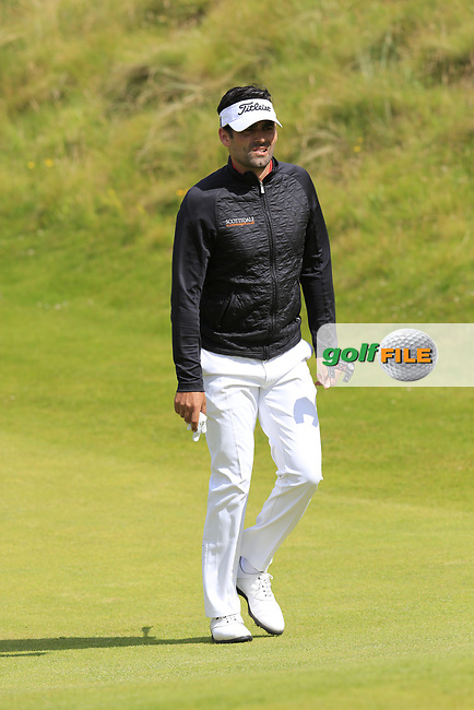 Lee Slattery (ENG) walks up to the 2nd green during Saturday's Round 3 of the 2017 Dubai Duty Free Irish Open held at Portstewart Golf Club, Portstewart, Co Derry, Northern Ireland. 08/07/2017<br /> Picture: Golffile | Eoin Clarke<br /> <br /> <br /> All photo usage must carry mandatory copyright credit (&copy; Golffile | Eoin Clarke)