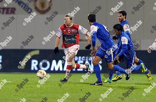 2012-01-14 / Voetbal / seizoen 2011-2012 / Antwerp - Visé / Benjamin Lambot met een uitbraak..Foto: Mpics.be