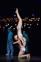 London, UK. 04.01.2014. Cirque du Soleil present QUIDAM at the Royal Albert Hall. Picture shows acrobalancers Yves Decoste and Valentyna Sidenko as The Statue. © Jane Hobson.
