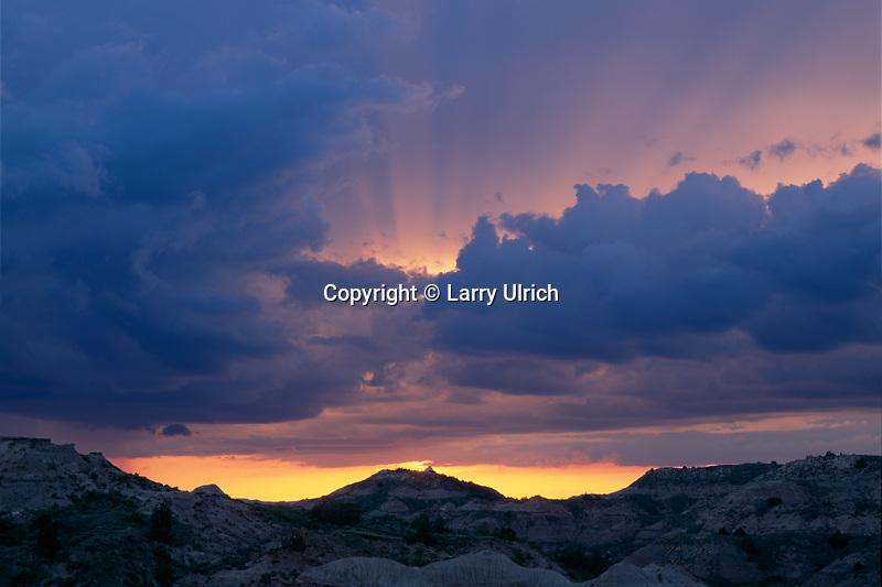 Sunset from Badlands Overlook<br /> South Unit<br /> Theodore Roosevelt National Park<br /> North Dakota