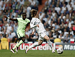 MADRID, SPAIN - MAY 4: Luka Modric (R) of Real Madrid in action during the UEFA Champions League semi-final second leg football match between Real Madrid and Manchester City at the Santiago Bernabeu Stadium in Madrid, Spain on May 4, 2016. Burak Akbulut / Anadolu Agency  | BRAA20160505_031 Madrid Espagne Spain