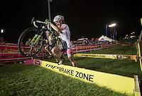 nice aggressive attack on the beams by Nina Baum (USA)<br /> <br /> Cross Vegas 2014