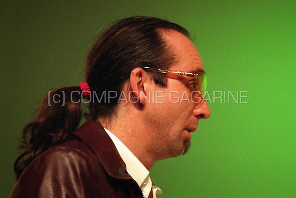 """Theatre company De Reynaertghesellen playing """"Reinaard De Vos"""" from Paul De Mont directed by Jos Coeckelberghs (Belgium, 15/11/2000)"""