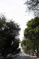 ATENCAO EDITOR: FOTO EMBARGADA PARA VEICULOS INTERNACIONAIS - SAO PAULO, SP, 04 DE OUTUBRO 2012 - TRANSITO SP - Quinta-feira, 04, trafego livre na av Avenida Rudge sentido marginal Tiete, Bom Retiro, zona central da Capital Paulista - FOTO LOLA OLIVEIRA - BRAZIL PHOTO PRESS