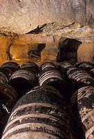 Europe/France/Pays de la Loire/Maine-et-Loire/Brissac : Caves de la Loire - AOC Coteaux de l'Aubance, caves creuses dans le tuffeau