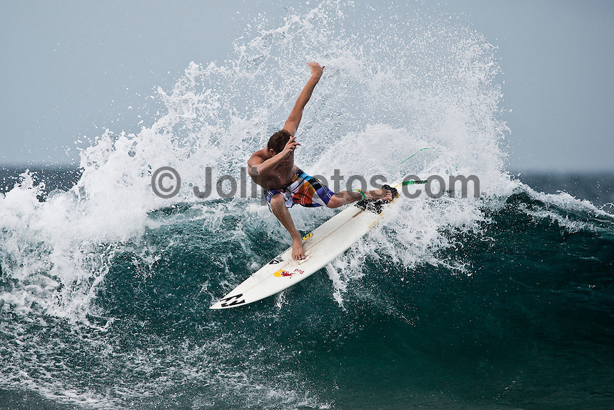 WARWICK WRIGHT (ZAF)  surfing Pasta Point during a boat trip to the Maldives (Monday, June 8th, 2009). Photo: joliphotos.com