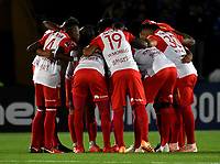 BOGOTÁ - COLOMBIA, 02-09-2018: Los jugadores de Independiente Santa Fe (COL), antes de partido entre Millonarios (COL) y el Independiente Santa Fe (COL), de vuelta de los octavos de final, llave A por la Copa Conmebol Sudamericana 2018, en el estadio Nemesio Camacho El Campin, de la ciudad de Bogotá. / The players of Independiente Santa Fe (COL), prior a match between Millonarios (COL) and Independiente Santa Fe (COL), of the group stage, group G, 5th date for the Conmebol Sudamericana Cup 2018 in the Nemesio Camacho El Campin stadium in Bogota city. Photo: VizzorImage / Luis Ramírez / Staff.
