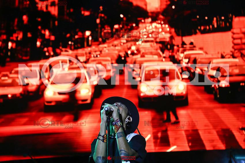 La banda de rock mexicana La maldita Vecindad ,durante su concierto en Expoforum como parte de su gira para festejar 30 a&ntilde;os de trayectoria en la que le acompa&ntilde;a Molotov.<br /> <br /> TodosLos DerechosReservados<br /> LuisGutierrez<br /> photoluis1@gmail.com