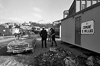 - terremoto in Irpinia, tre settimane dopo  (dicembre 1980), insediamento provvisorio organizzato dal comune di Milano<br /> <br /> - earthquake in Irpinia, three weeks after (December1980), temporary settlement organized by Milan Municipality