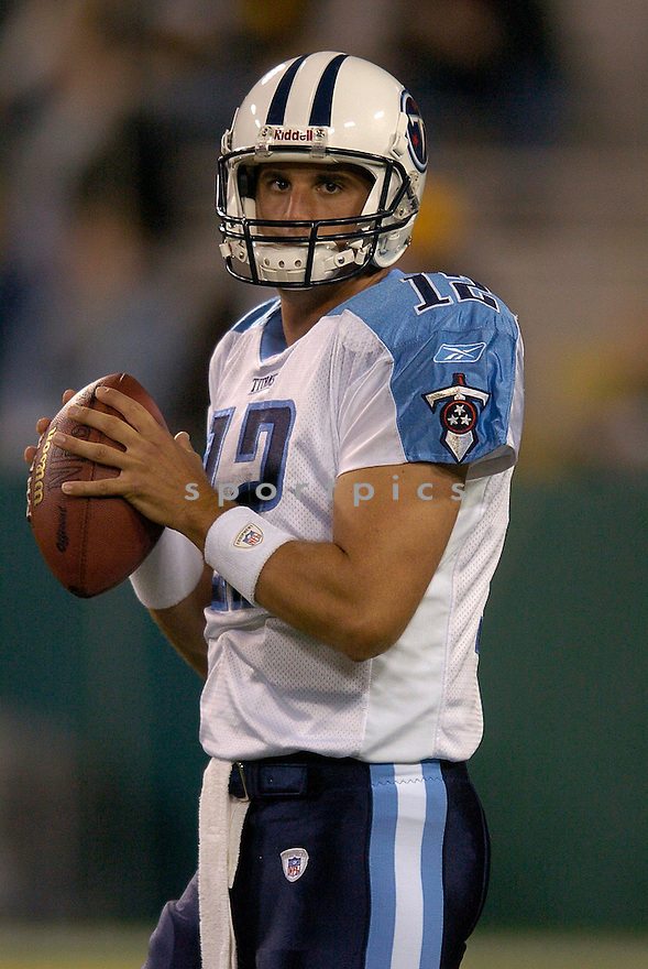 Doug Johnson durng the Titans v. Packers game on October 11, 2004...Titans win 48-27..Chris Bernacchi / SportPics
