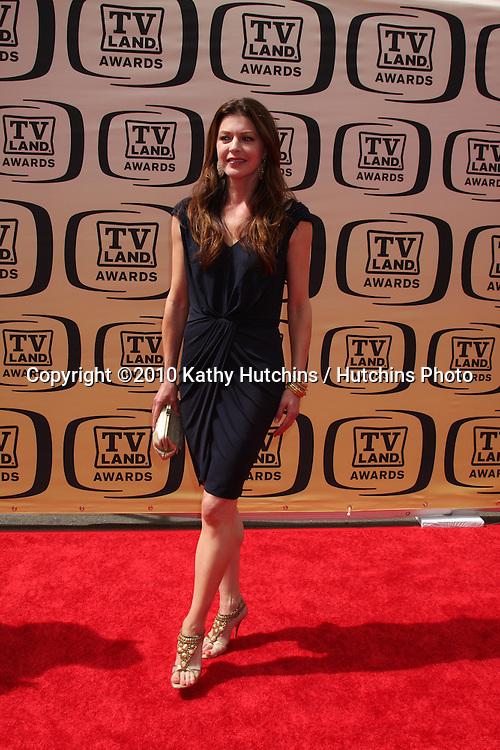 Jane Leeves .arrives at the 2010 TV Land Awards.Sony Studios.Culver City, CA.April 17, 2010.©2010 Kathy Hutchins / Hutchins Photo...