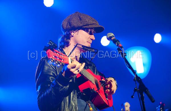 Belgian composer and singer-songwriter Stef Kamil Carlens performing at the Radio 1 Sessies, in Antwerp (Belgium, 19/11/2015)