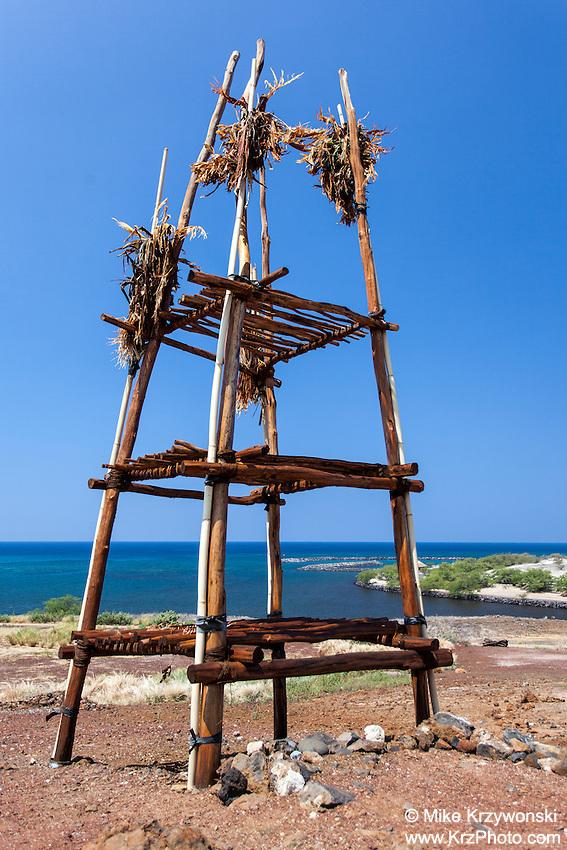 Offering stand w/ ocean in background at Pu'ukohola heiau, Big Island, Hawaii