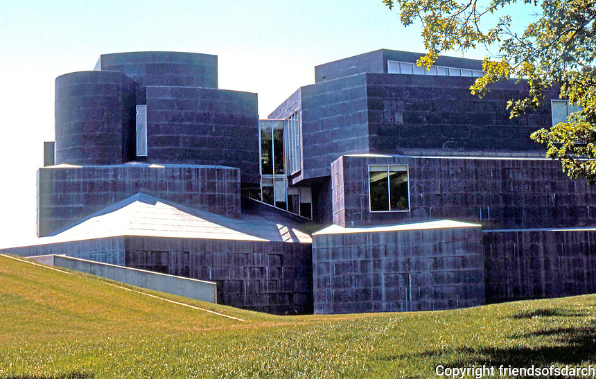 Frank Gehry: Center for the Arts, University of Toledo. Next to Toledo Museum of Art, Monroe St., 1995. (From North.) (Photo '97)