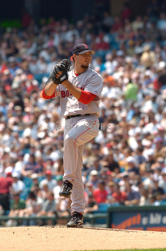 Josh Beckett, of the Boston Red Sox, during their game against the Chicago White Sox on July 8, 2006 in Chicago...Red Sox win 9-6..David Durochik / SportPics