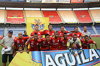 BARRANQUILLA- COLOMBIA -01 -08-2015: Los jugadores de Uniautonoma posan para una foto durante partido entre Uniautonoma y Boyaca Chico FC, por la fecha 4 de la Liga Aguila II-2015, jugado en el estadio Metropolitano Roberto Melendez de la ciudad de Barranquilla. / The players of Uniautonoma pose for a photo during a match between Uniautonoma and  Boyaca Chico FC, for the date 4 of the Liga Aguila II-2015 at the Metropolitano Roberto Melendez Stadium in Barranquilla city, Photo: VizzorImage. / Alfonso Cervantes / Cont.