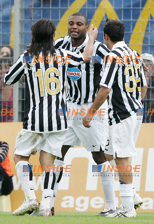 Marcelo Zalayeta (C) celebrates after scoring with (from Left to Right) Mauro Camoranesi and Marco Marchionni  (Juventus) <br /> Esultanza di Marcelo Zalayeta dopo il secondo gol con Mauro Camoranesi and Marco Marchionni<br /> Italian &quot;Serie B&quot; 2006-2007 <br /> 1 May 2007 (Match Day 31)<br /> Frosinone Juventus (0-2)<br /> &quot;Matusa&quot; Stadium-Frosinone-Italy<br /> Photographer:Andrea Staccioli INSIDE