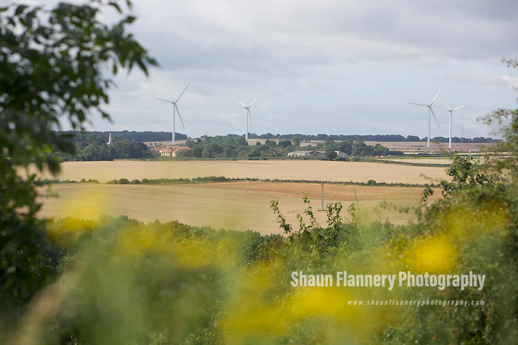 Pix: Shaun Flannery/shaunflanneryphotography.com...COPYRIGHT PICTURE>>SHAUN FLANNERY>01302-570814>>07778315553>>..22nd August 2012..Wind Farm at Marr, nr. Doncaster.