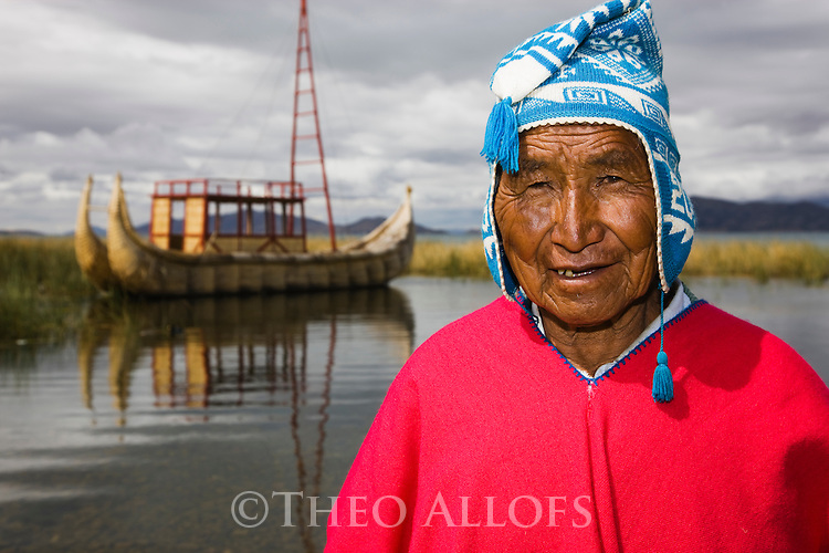 Bolivia, Altiplano, Lake Titicaca, famous reed boat builder