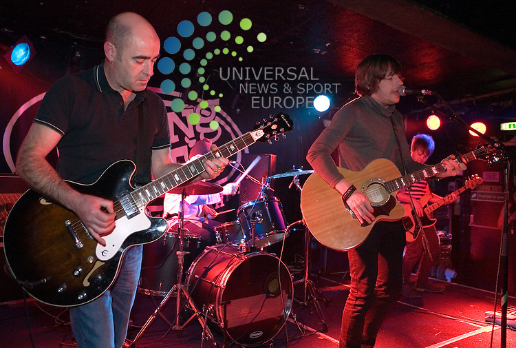 John Mackie featuring Bonehead from Oasis plays at King Tuts in Glasgow on Monday 28th March 2011.. .Pictures: Peter Kaminski/Universal News and Sport (Europe)2010