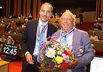 UTRECHT _ Algemene Ledenvergadering Utrecht, van de KNHB. Voor zitter Erik Cornelissen met Bas Maassen die terugtreedt als penningmeester. Aftredend penningmeester Bas Maassen is benoemd tot Lid van Verdienste.  Copyright Koen Suyk