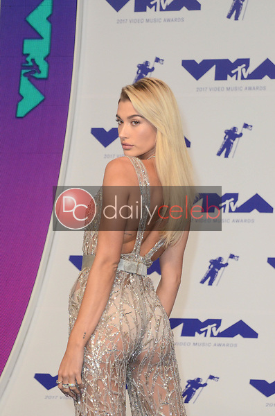Hailey Rhode Baldwin<br /> at the 2017 MTV Video Music Awards, The Forum, Inglewood, CA 08-27-17<br /> David Edwards/DailyCeleb.com 818-249-4998