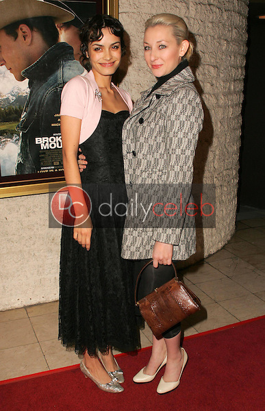 """Shannyn Sossamon and friend<br />at the premiere of """"Brokeback Mountain"""". Mann National Theatre, Westwood, CA. 11-29-05<br />Dave Edwards/DailyCeleb.com 818-249-4998"""