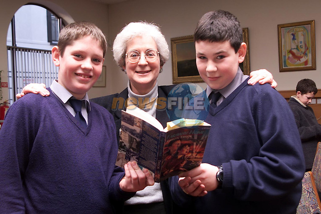 Author Marilyn Taylor with St. Joseph's pupils Shane O'Keeffe, Westcourt and Kenny Matthews, Harmony Heights..Picture Paul Mohan Newsfile
