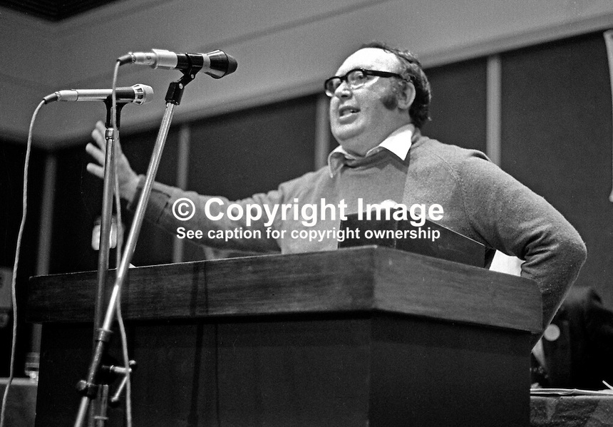 Paddy Devlin, SDLP, Social Democratic &amp; Labour Party, N Ireland, UK, speaking at his party's annual conference, Europa Hotel, Belfast, 197501000098PD3.<br />