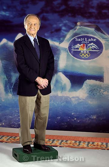 NBC's Olympic announcer Jim McKay has his portrait taken by photographer Trae Patton in Salt Lake City Tuesday. NBC's Olympic team has been in town for the past few days preparing for the Salt Lake Winter Games. 11/06/2001, 3:27:39 PM<br />