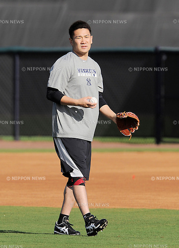 Masahiro Tanaka (Yankees),<br /> FEBRUARY 13, 2014 - MLB :<br /> New York Yankees pitcher Masahiro Tanaka plays catch during his training session at the Yankees' minor league facility in Tampa, Florida, United States. (Photo by AFLO)