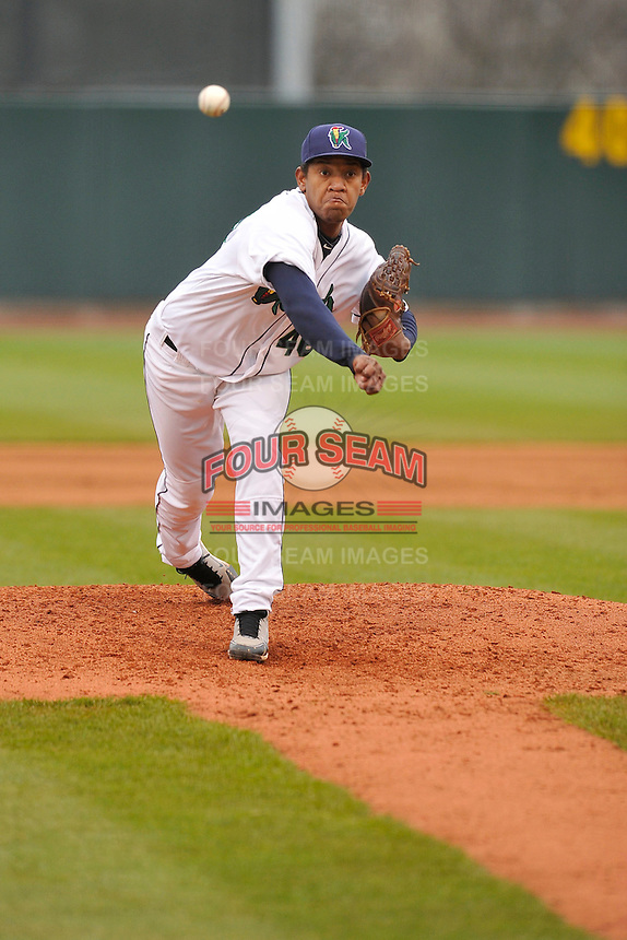 Yorman Landa #46 of the Cedar Rapids Kernels pitches in relief against the Kane County Cougars at Perfect Game Field on May 1, 2014 in Cedar Rapids, Iowa. The Kernels won 5-2.   (Dennis Hubbard/Four Seam Images)