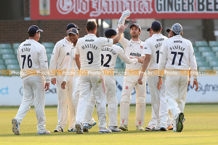 Essex players celebrate the wicket of Atif Sheikh - Leicestershire CCC vs Essex CCC - LV County Championship Division Two Cricket at Grace Road, Leicester - 16/09/14 - MANDATORY CREDIT: Gavin Ellis/TGSPHOTO - Self billing applies where appropriate - contact@tgsphoto.co.uk - NO UNPAID USE