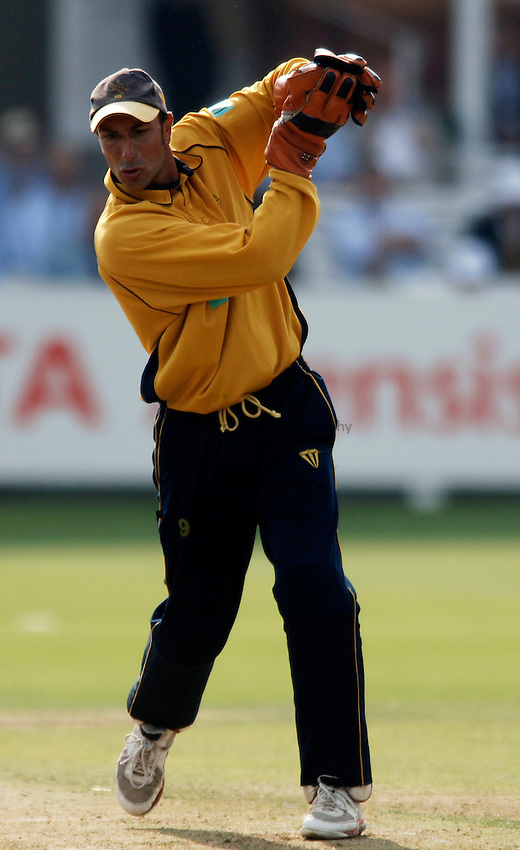 Photo: Glyn Thomas..Hampshire v Warwickshire. C&G Trophy Final..03/09/2005..Hampshire's Nic Pothas.